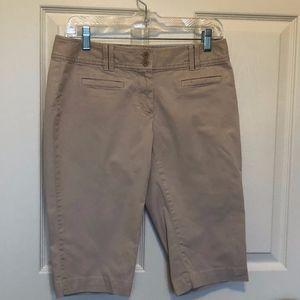 Loft Khaki Bermuda Shorts 4P